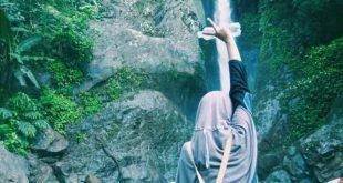 Air Terjun Datar Lebar di Kecamatan Taba Penanjung Bengkulu Tengah, mengajak anda untuk merasakan sensasi petualangan dan keindahan. (foto: Yena)